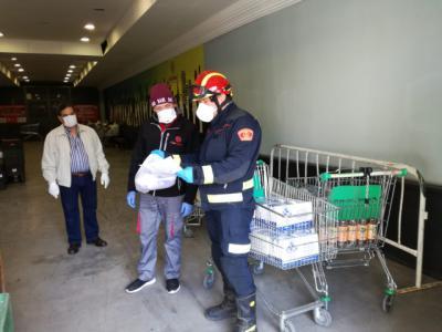 TALAVERA | Bomberos y Cáritas, unidos contra el hambre (fotos)