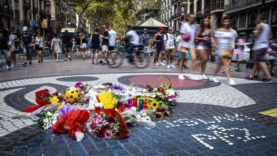 García-Page recuerda a las víctimas de los atentados de Barcelona y Cambrils