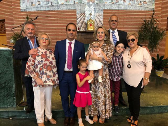 Julia Lisa Jodral recibió el sagrado sacramento del bautismo