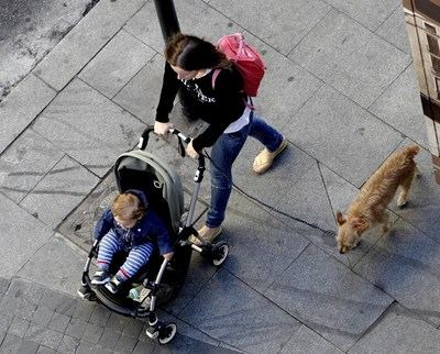Los bebés en carrito de paseo pueden estar expuestos a más del doble de contaminación que los adultos