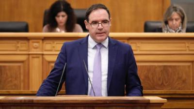 El PSOE abandona el pleno después de que Prieto rechace disculparse por llamarles