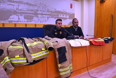 Los bomberos de Talavera renuevan su indumentaria por una más segura