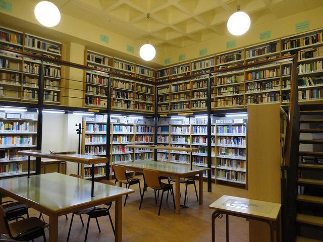 La Biblioteca de la UNED refuerza su horario ante la semana de exámenes de septiembre