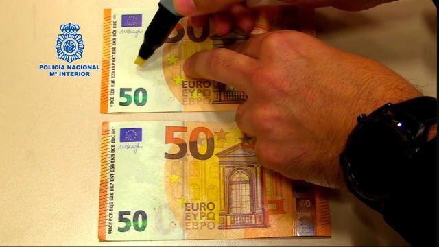 Advierten de que el uso del rotulador detector de billetes falsos no siempre es efectivo