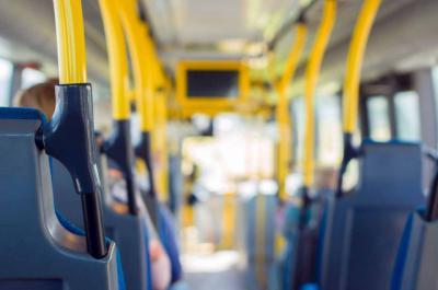 El Gobierno regional estudia extender las ayudas al transporte para discapacitados