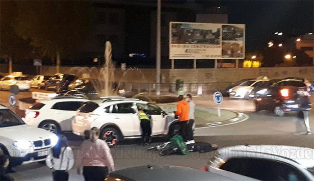 TALAVERA | Un hombre herido en un accidente en la rotonda de la Constitución