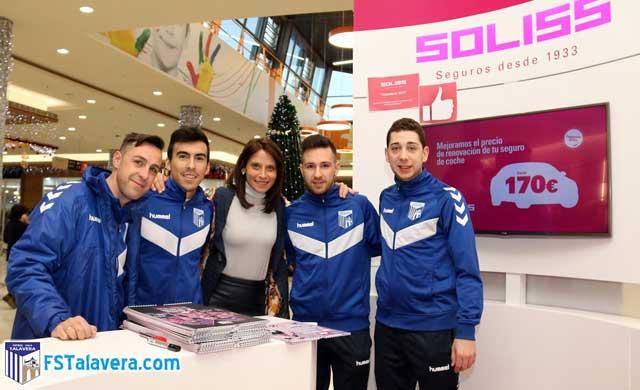 El Soliss FS Talavera firmó en el CC 'Los Alfares' su calendario