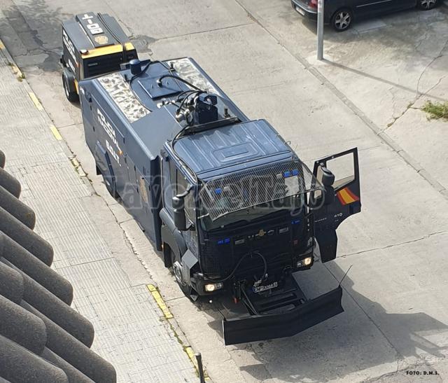 VIDEO | Así está trabajando el camión antidisturbios de la Policía en Talavera