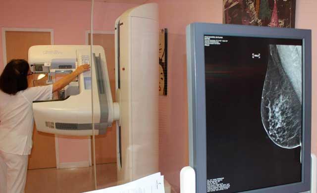 SANIDAD | Page recuerda que la prevención del cáncer de mama salva 'miles de vidas'