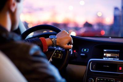 CORONAVIRUS   Resolvemos tus dudas: ¿Puedo conducir acompañado durante el estado de alarma?