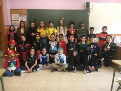 FOTOS | Los escolares del Colegio Ruiz de Luna celebran el Carnaval