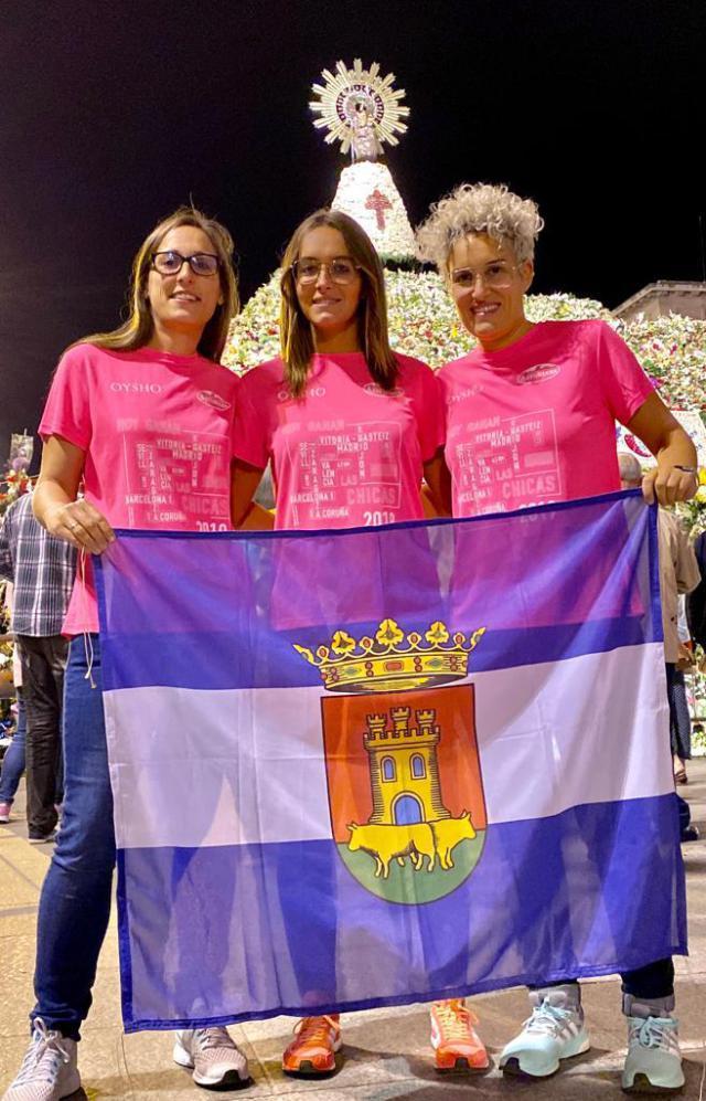 Tres talaveranas participaron en la 'marea rosa' de Zaragoza por la lucha contra el cáncer de mama