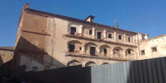 El convenio Diputación-Ayuntamiento permitirá la recuperación de Casa de los Canónigos y Alcazaba de Talavera