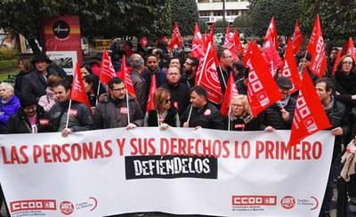 Cientos de personas secundan en CLM las concentraciones sindicales para pedir a Rajoy más diálogo social