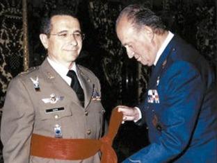 POLÉMICA | Un general talaverano firma el manifiesto de los militares retirados