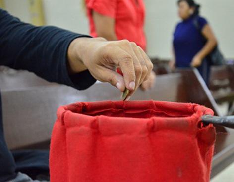 Juzgan a tres acusados por robar repetidamente la recaudación de los cepillos de un santuario