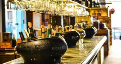 PANDEMIA | Los bares y restaurantes cerrarán a las 22:00 horas