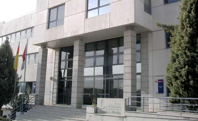 Un padre se enfrenta a 12 años de cárcel por abusar de su hija menor de edad en Albacete