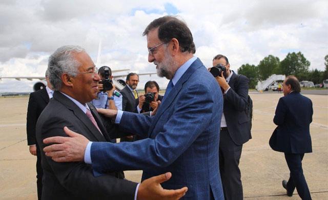 Extremadura pide a Rajoy que 'se acuerde' del AVE hasta Sines