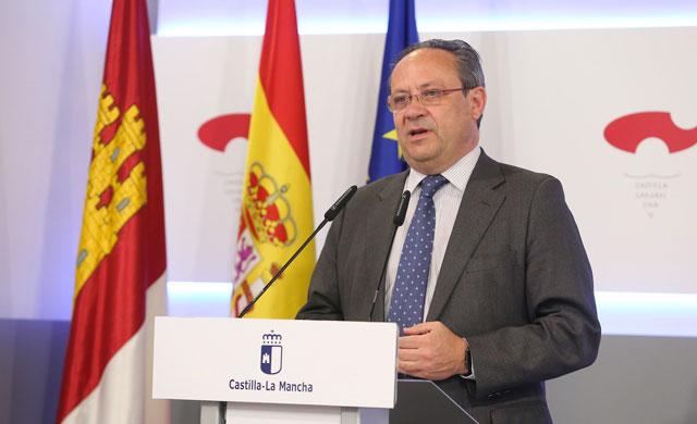 CLM cumplió con los objetivos de déficit y deuda y la regla de gasto