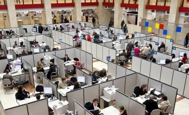 El número de empleados públicos del Estado ha bajado a 17.611 en Castilla-La Mancha