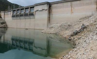 El Gobierno vincula el desarrollo y el crecimiento de las empresas en la región al abastecimiento de agua