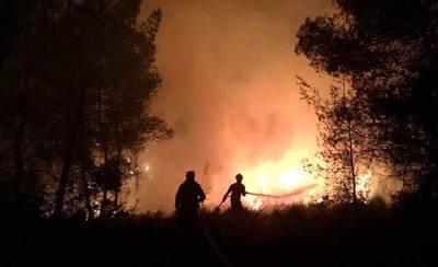 Una treintena de personas trabajan en la extinción del fuego de Villalpardo