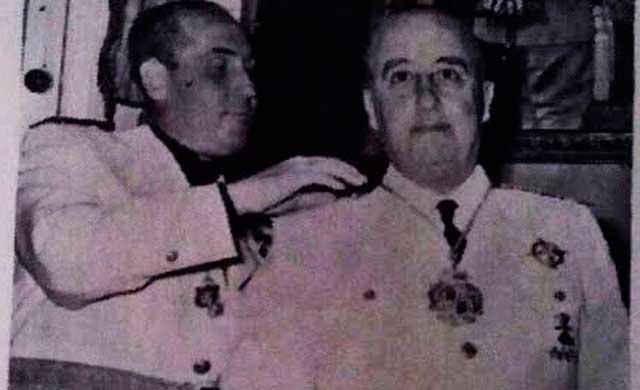 El Ayuntamiento de Almadén se niega a retirar la medalla de oro a Franco