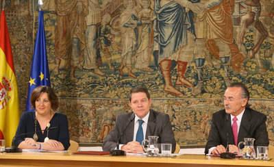 CLM creará un foro para la agilización administrativa en la creación empresas