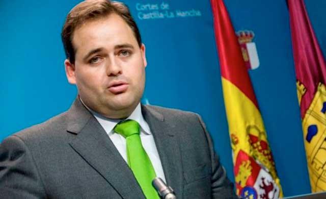 Polémica por unas declaraciones del alcalde de Almansa sobre el papel de la mujer