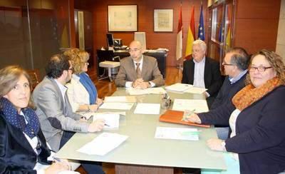 Junta y Técnicos de Consumo estudian un plan formativo para las OMIC