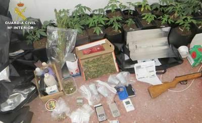 Detenido un joven de 21 años por vender marihuana a menores de edad en centros educativos