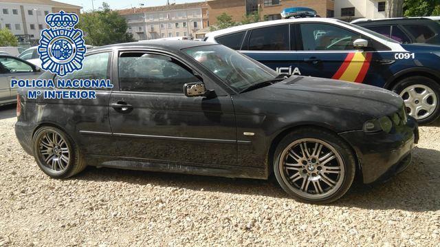 El coche utilizado por los responsables, incautado por la policía