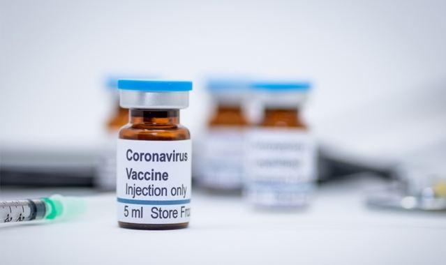 COVID-19 | Los farmacéuticos insisten en 'la calidad, seguridad y eficacia' de las vacunas