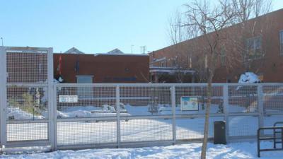 Entrada al colegio público «Valparaíso» en Toledo - JCCM