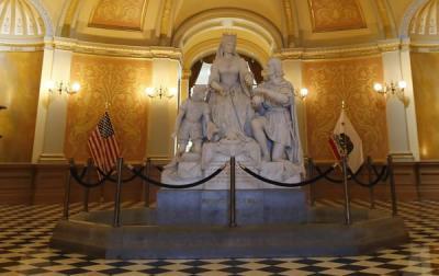 TALAVERA | La Asociación Fray Hernando pide al Gobernador de California la estatua de Isabel la Católica y Colón