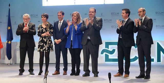 """El Colegio Cristóbal Colón recibe un premio por el proyecto solidario """"Acuérdate de vivir"""""""