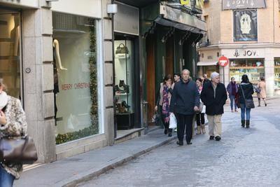 La Consejería de Sanidad promueve el consumo responsable y solidario en las compras de Navidad