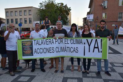400 personas,se concentran en Talavera por la emergencia climática