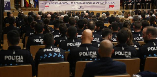 RECONOCIMIENTO | El Gobierno regional entrega 96 condecoraciones de Policía Local