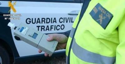 Investigado por conducir un camión superando 6 veces la tasa de alcohol con su hijo menor