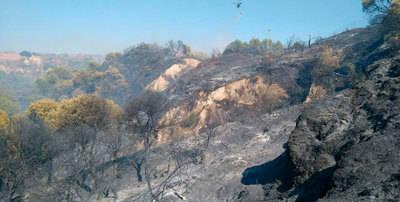 Controlado el incendio del Cerro Negro, junto al polvorín de artillería
