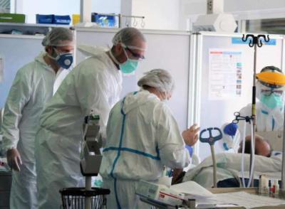COVID-19 | CLM reduce a menos de la mitad los casos respecto al anterior fin de semana