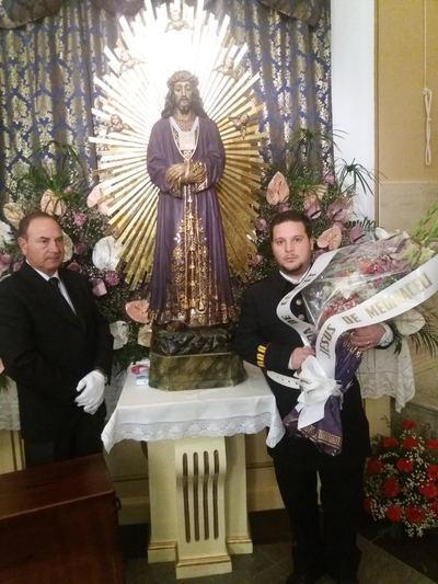 Ofrendas florales para la imagen del Cristo de Medinaceli