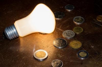 Octubre llega cargado de sorpresas: el precio de la luz supera los 215 euros