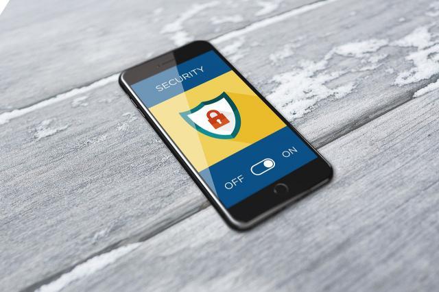 CUIDADO | La Guardia Civil alerta de un nuevo delito para robar datos bancarios por SMS