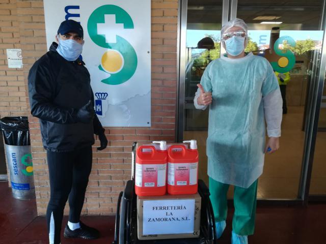 COVID-19   Donación de la Ferretería La Zamorana al Hospital de Talavera
