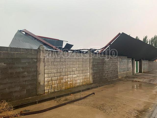 TEMPORAL | El graderío del campo de fútbol de Gamonal se viene a abajo