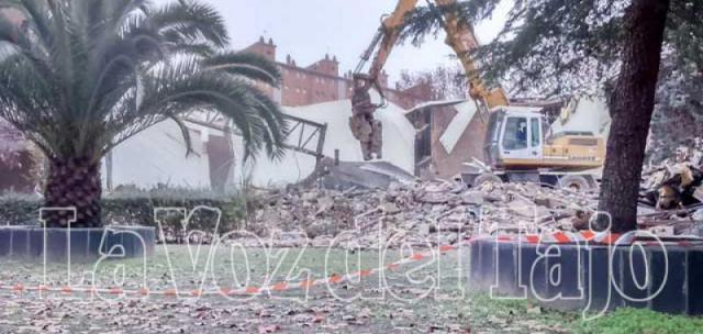 Obras de demolición de la iglesia 'San Juan de Ávila'