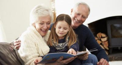 Castilla-La Mancha destaca la figura de los abuelos como soporte de la estructura familiar